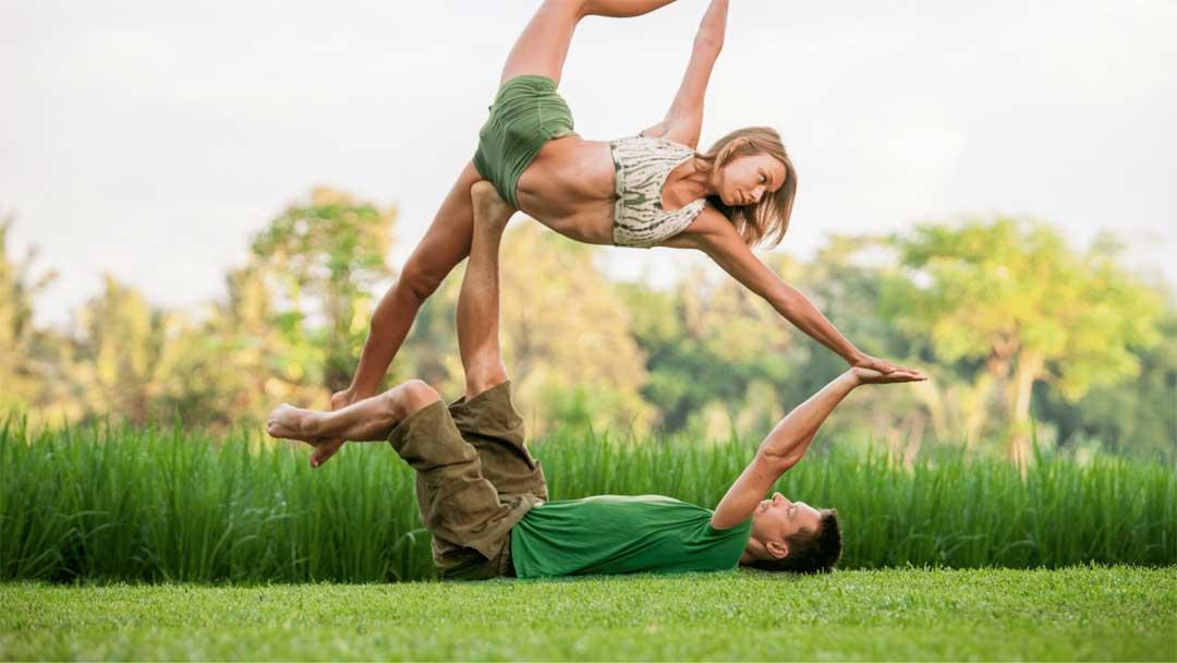 acro yoga teacher training